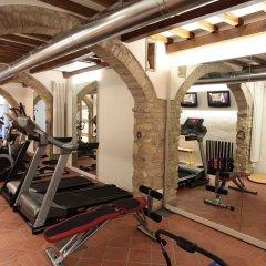 Отель Sovestro Италия, Сан-Джиминьяно - отзывы, цены и фото номеров - забронировать отель Sovestro онлайн фитнесс-зал фото 2