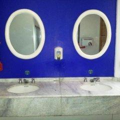 Hostel Mundo Joven Catedral Мехико ванная