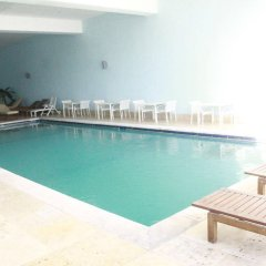 Le Vendome Hotel бассейн