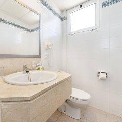 Отель Globales Cala'n Blanes Кала-эн-Бланес ванная
