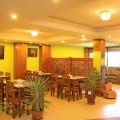 Отель Namaste Nepal Hotels and Apartment Непал, Катманду - отзывы, цены и фото номеров - забронировать отель Namaste Nepal Hotels and Apartment онлайн гостиничный бар