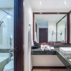 Отель NH Cali Royal Колумбия, Кали - отзывы, цены и фото номеров - забронировать отель NH Cali Royal онлайн ванная фото 2