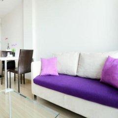 Отель Chrisma Condo by Renvio Таиланд, Бангкок - отзывы, цены и фото номеров - забронировать отель Chrisma Condo by Renvio онлайн комната для гостей фото 3