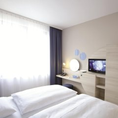 H2 Hotel Berlin Alexanderplatz комната для гостей