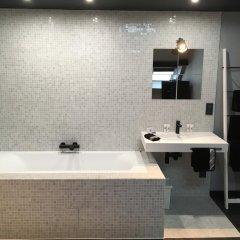 Отель All In One Бельгия, Брюссель - отзывы, цены и фото номеров - забронировать отель All In One онлайн ванная
