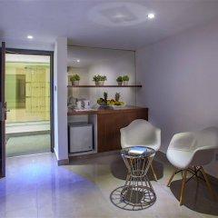 King Evelthon Beach Hotel & Resort в номере