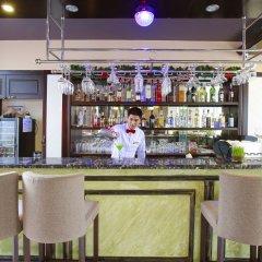 Отель Hoian Sincerity Hotel & Spa Вьетнам, Хойан - отзывы, цены и фото номеров - забронировать отель Hoian Sincerity Hotel & Spa онлайн гостиничный бар