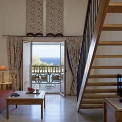 Отель Mitsis Family Village Beach Hotel - All Inclusive Греция, Кардамена - отзывы, цены и фото номеров - забронировать отель Mitsis Family Village Beach Hotel - All Inclusive онлайн комната для гостей фото 2