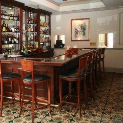 Dunhill Hotel гостиничный бар