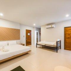 Отель Phuket Marine Poshtel комната для гостей