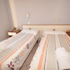 Venere Hotel Римини сейф в номере