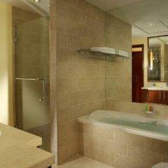 Отель Ramada Downtown Dubai ОАЭ, Дубай - 3 отзыва об отеле, цены и фото номеров - забронировать отель Ramada Downtown Dubai онлайн ванная