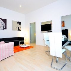 Апартаменты Vienna Residence Lovely Apartment With Space for 2 Close to the Subway Вена комната для гостей фото 2