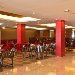 Отель Hilton Park Nicosia гостиничный бар