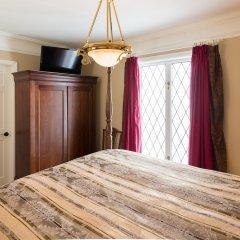 Отель English Bay Inn Bed and Breakfast Канада, Ванкувер - отзывы, цены и фото номеров - забронировать отель English Bay Inn Bed and Breakfast онлайн сейф в номере