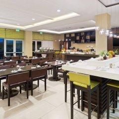 Отель Courtyard by Marriott Kingston, Jamaica Ямайка, Кингстон - отзывы, цены и фото номеров - забронировать отель Courtyard by Marriott Kingston, Jamaica онлайн питание фото 3