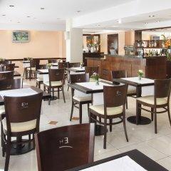Embajador Hotel гостиничный бар