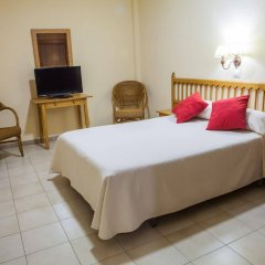Отель Tres Jotas Испания, Кониль-де-ла-Фронтера - отзывы, цены и фото номеров - забронировать отель Tres Jotas онлайн комната для гостей фото 3