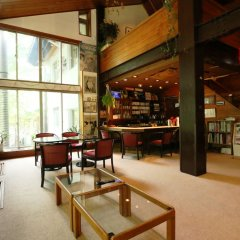 Отель Pension ULLR Хакуба гостиничный бар