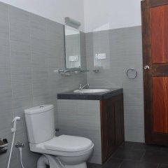 Traveller's Home Hotel ванная