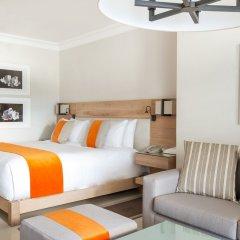 Отель LUX* Belle Mare сейф в номере