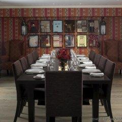 Отель Haymarket Hotel Великобритания, Лондон - отзывы, цены и фото номеров - забронировать отель Haymarket Hotel онлайн питание фото 3