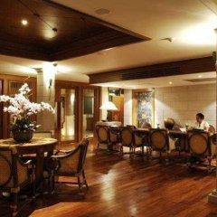 Отель Naithonburi Beach Resort Phuket гостиничный бар