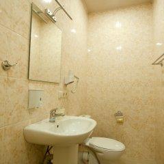 Отель Albert House Hotel Армения, Ереван - 1 отзыв об отеле, цены и фото номеров - забронировать отель Albert House Hotel онлайн ванная