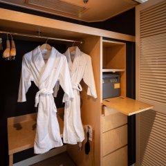 Отель Uraku Aoyama Токио сейф в номере