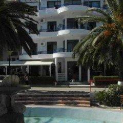 Hotel Ari бассейн