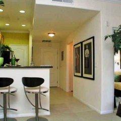 Отель Sunshine Suites at The Piero гостиничный бар
