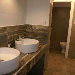 Отель Tenement House Познань ванная