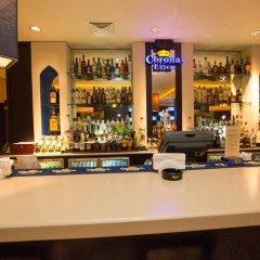 Отель Holiday Inn Express Dubai Airport ОАЭ, Дубай - - забронировать отель Holiday Inn Express Dubai Airport, цены и фото номеров гостиничный бар