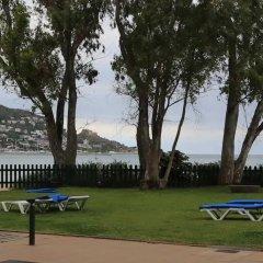 Отель Prestige Coral Platja Испания, Курорт Росес - отзывы, цены и фото номеров - забронировать отель Prestige Coral Platja онлайн спортивное сооружение