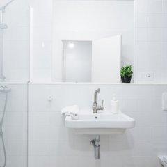 Отель Hospital Испания, Барселона - отзывы, цены и фото номеров - забронировать отель Hospital онлайн ванная фото 2