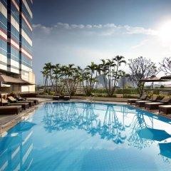Отель Melia Hanoi бассейн