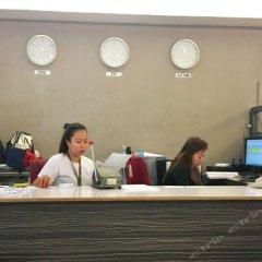 Отель Green Suites at Bel Air Soho Филиппины, Макати - отзывы, цены и фото номеров - забронировать отель Green Suites at Bel Air Soho онлайн интерьер отеля фото 3
