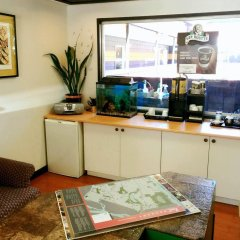 Отель 401 Inn Канада, Бурнаби - отзывы, цены и фото номеров - забронировать отель 401 Inn онлайн интерьер отеля