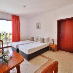 Prestige Hotel and Aquapark Золотые пески комната для гостей