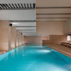 Отель Langham Xintiandi Шанхай бассейн