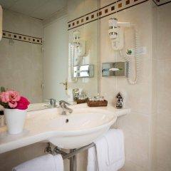 Отель Elysees Opera Франция, Париж - отзывы, цены и фото номеров - забронировать отель Elysees Opera онлайн ванная