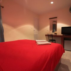 Отель Walking Street Guest House удобства в номере