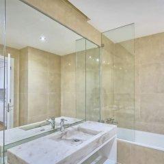 Отель Your Home in Palacio Santa Catarina Португалия, Лиссабон - отзывы, цены и фото номеров - забронировать отель Your Home in Palacio Santa Catarina онлайн ванная фото 2