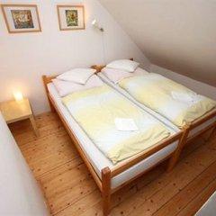 Отель At the Golden Plough Apartments Чехия, Прага - отзывы, цены и фото номеров - забронировать отель At the Golden Plough Apartments онлайн комната для гостей фото 5