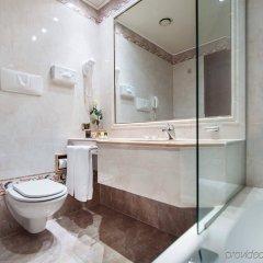 Отель Royal Hotel Carlton Италия, Болонья - 3 отзыва об отеле, цены и фото номеров - забронировать отель Royal Hotel Carlton онлайн ванная