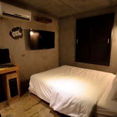 Отель Atti Guesthouse сейф в номере