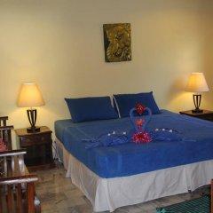 Отель Laguna Beach Club Ланта сейф в номере