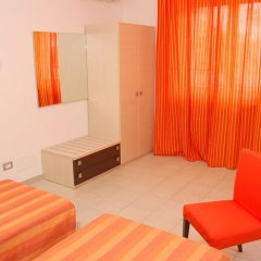 Отель Solìa Bed & Breakfast Скалея сейф в номере