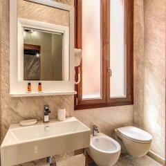 Отель Colosseo Accomodation Room Guest House Рим ванная фото 2