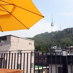 Отель 24 Guesthouse Namsan Южная Корея, Сеул - отзывы, цены и фото номеров - забронировать отель 24 Guesthouse Namsan онлайн балкон